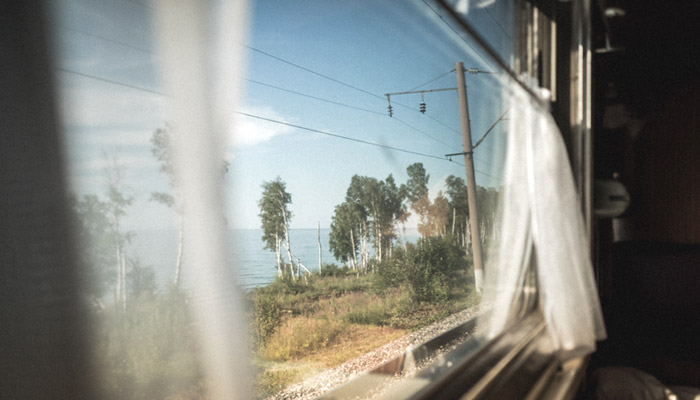 Поезд на Байкале