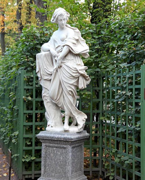 Скульптура Нимфа в Летнем саду