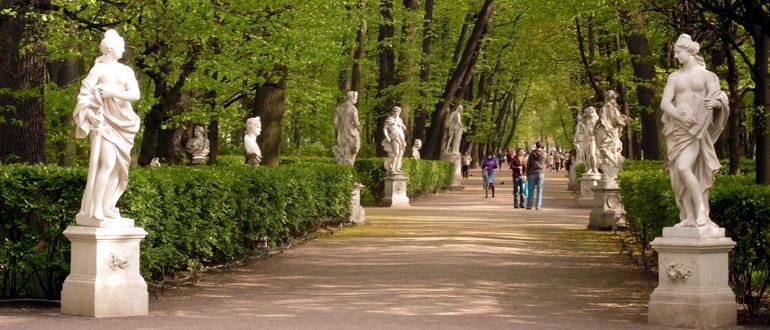 Скульптуры в Летнем саду