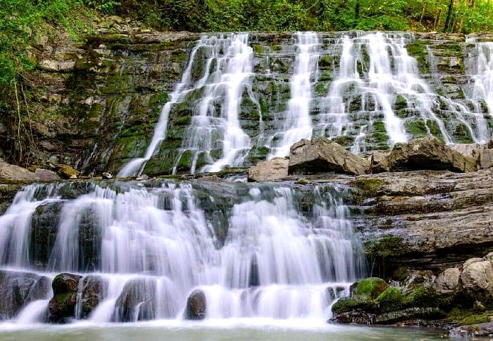 Ступени 33 водопадов