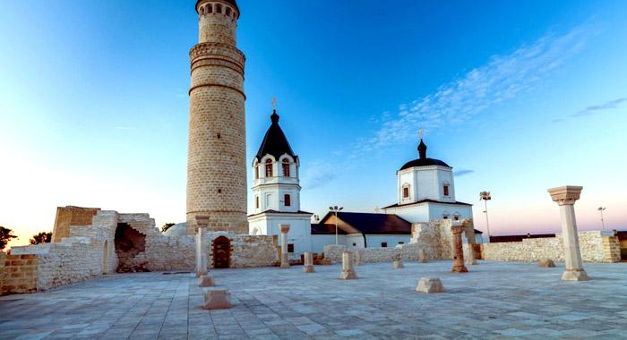 Развалины Соборной мечети в Болгаре